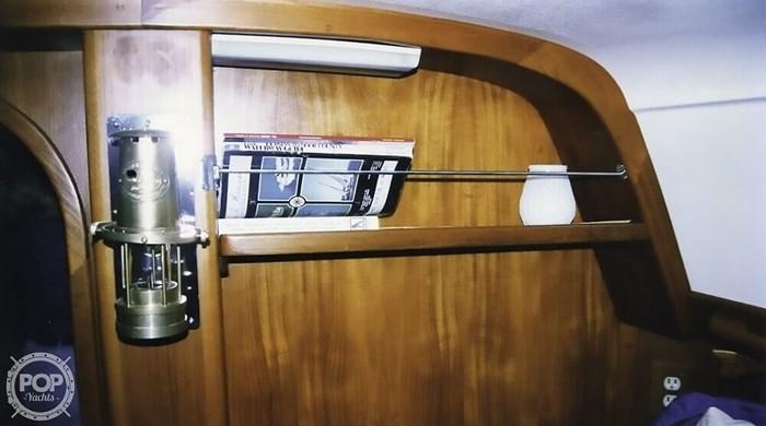 1983 Quest 36 Semi Custom Photo 21 sur 21