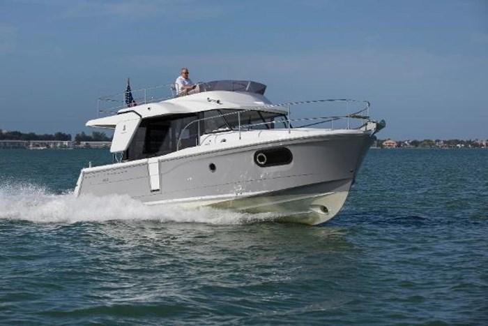 2019 Beneteau Swift Trawler 30 Photo 1 of 34