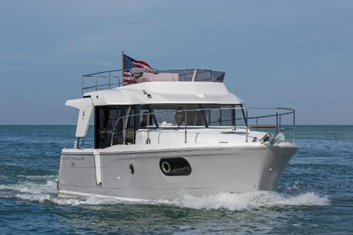 2019 Beneteau Swift Trawler 30 Photo 2 of 34