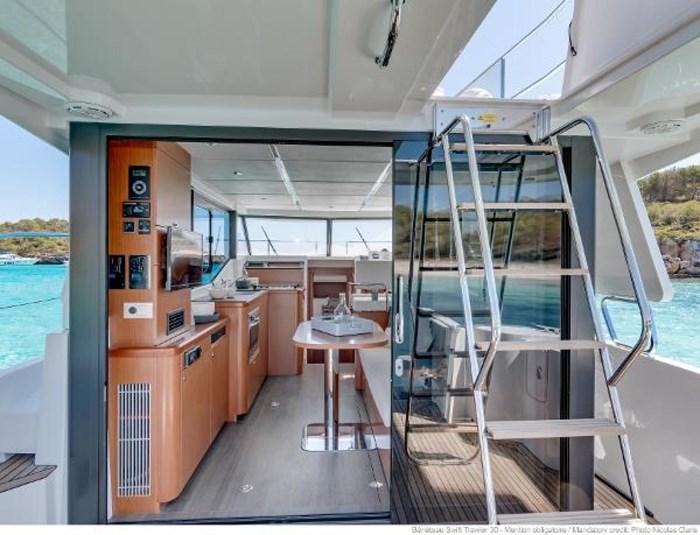 2019 Beneteau Swift Trawler 30 Photo 12 of 34