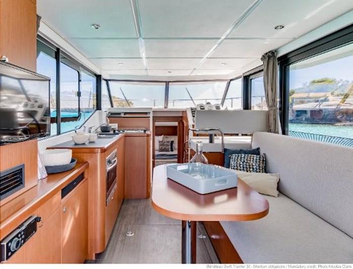 2019 Beneteau Swift Trawler 30 Photo 14 of 34