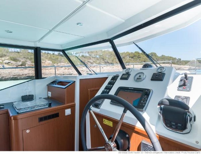 2019 Beneteau Swift Trawler 30 Photo 17 of 34