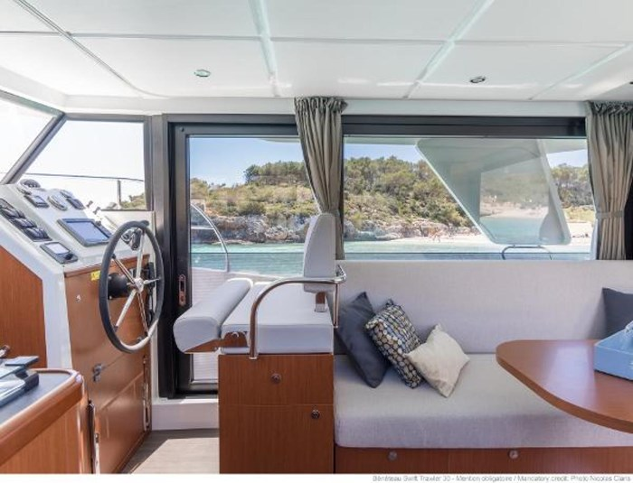 2019 Beneteau Swift Trawler 30 Photo 19 of 34