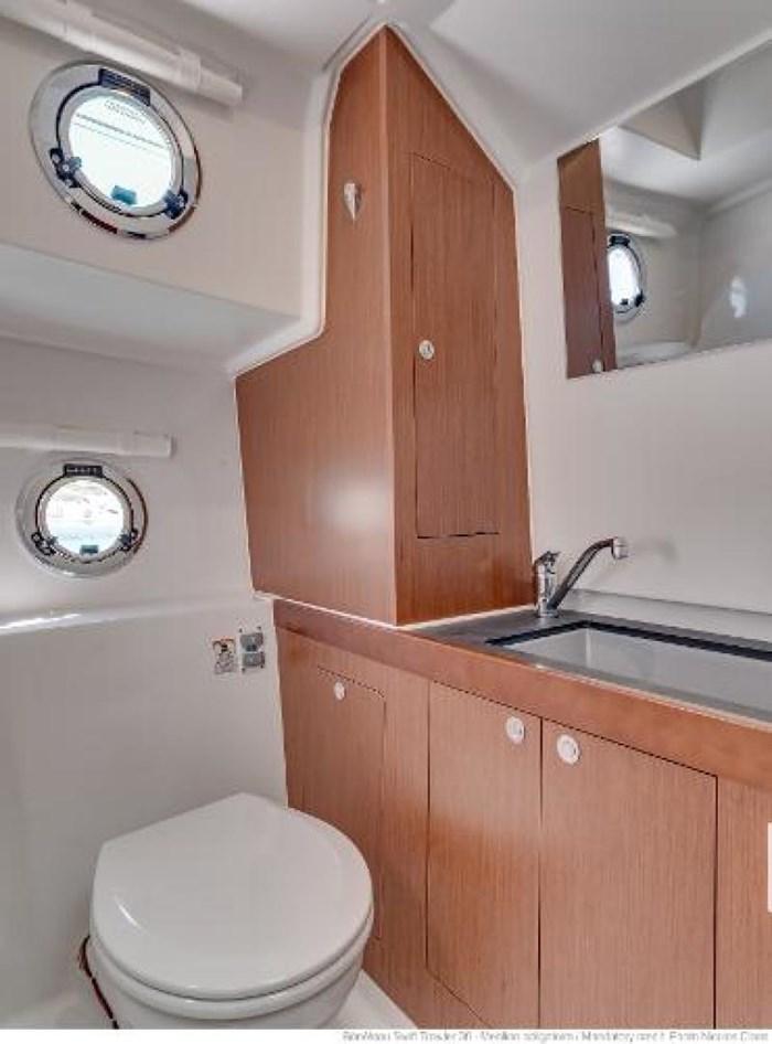 2019 Beneteau Swift Trawler 30 Photo 21 of 34