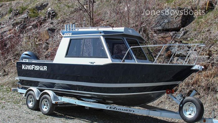 2018 Kingfisher 2225 Escape HT Photo 3 of 10