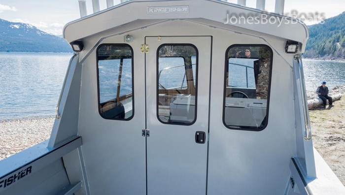 2018 Kingfisher 2225 Escape HT Photo 4 of 10