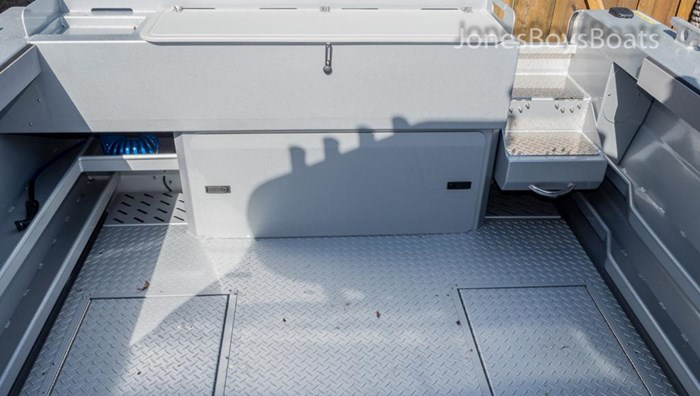 2018 Kingfisher 2225 Escape HT Photo 5 of 10