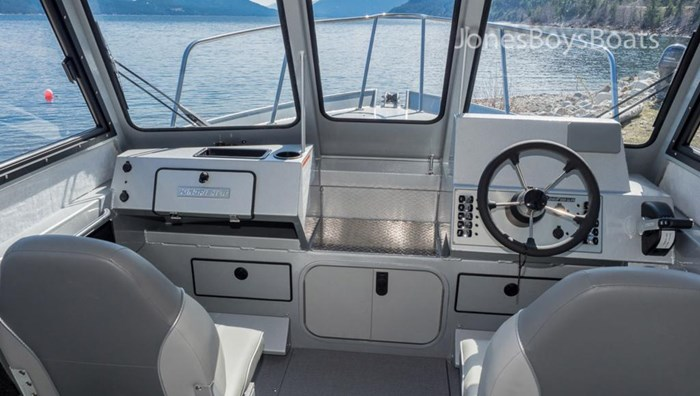 2018 Kingfisher 2225 Escape HT Photo 6 of 10