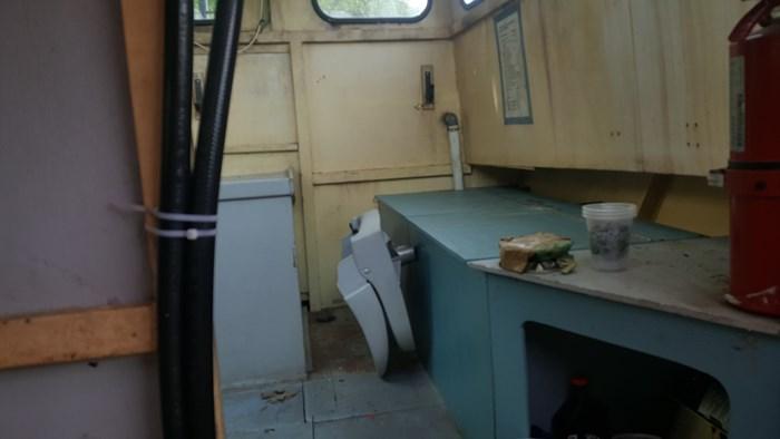 1990 26' x 9' Steel Work Boat Photo 12 sur 17