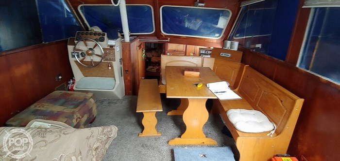 1973 Uniflite 36 Double Cabin Photo 4 of 20