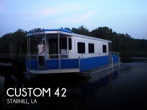2017 Custom 42 Photo 1 of 20