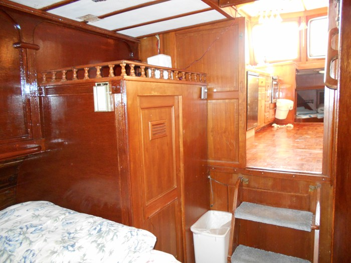 1979 Marine Trader Aft Cabin Photo 14 of 25