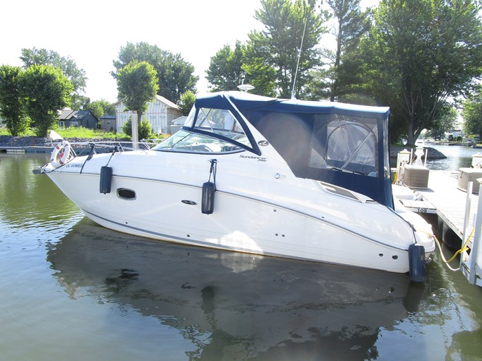 Sea Ray 280 SUNDANCER 2013 Used Boat for Sale in  Saint-Paul-de-l'Île-aux-Noix, Quebec - BoatDealers ca