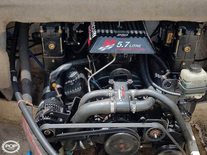 2001 Maxum 2300 SR Photo 12 of 20