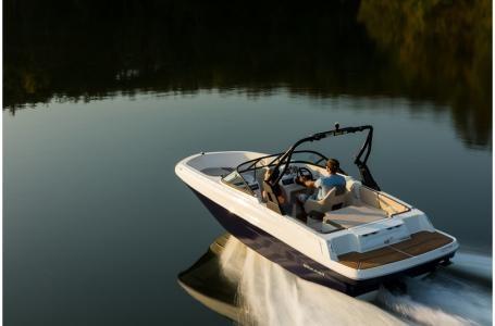 2019 Bayliner VR4 Bowrider Outboard Photo 3 sur 37