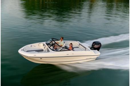 2019 Bayliner VR4 Bowrider Outboard Photo 6 sur 37