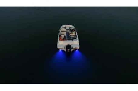 2019 Bayliner VR4 Bowrider Outboard Photo 11 sur 37