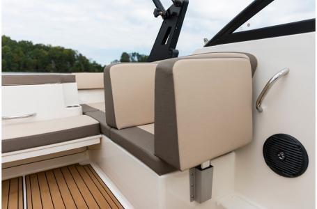 2019 Bayliner VR4 Bowrider Outboard Photo 19 sur 37