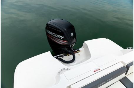 2019 Bayliner VR4 Bowrider Outboard Photo 28 sur 37