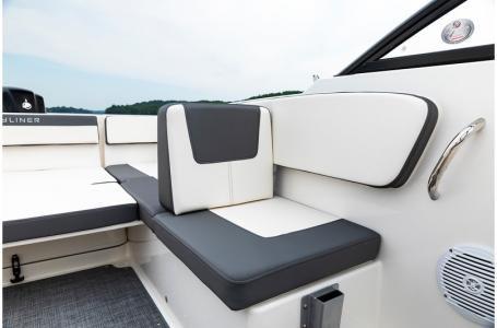 2019 Bayliner VR4 Bowrider Outboard Photo 32 sur 37