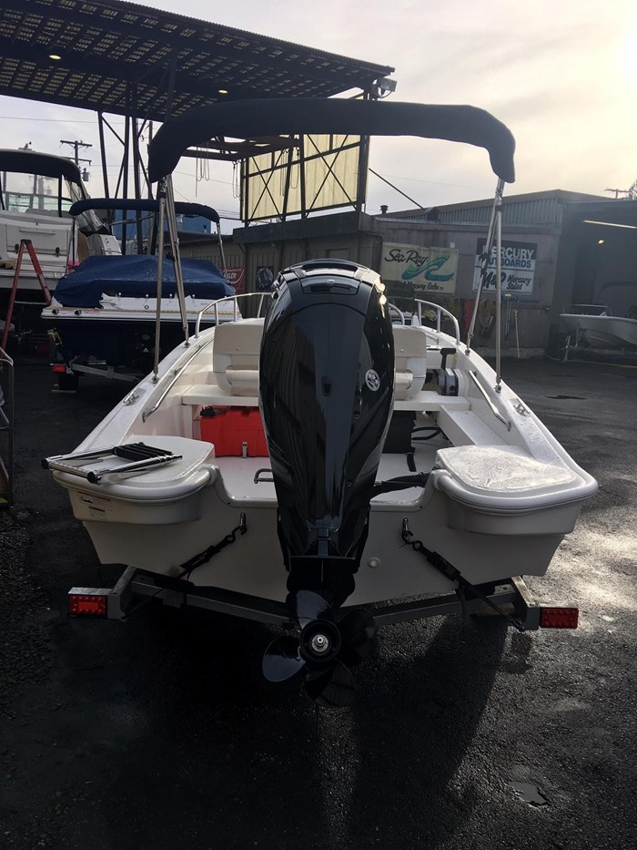 2019 Boston Whaler 160 Super Sport Photo 2 sur 15