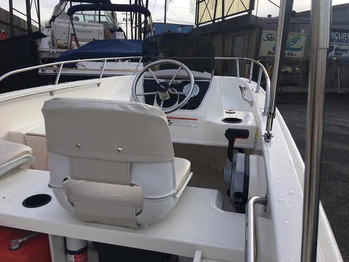 2019 Boston Whaler 160 Super Sport Photo 3 sur 15