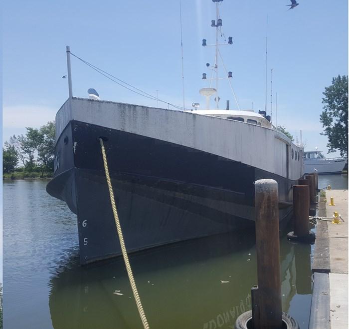 1945 65' x 20' Great Lakes Fishing Vessel 1945/1986 Photo 1 sur 13