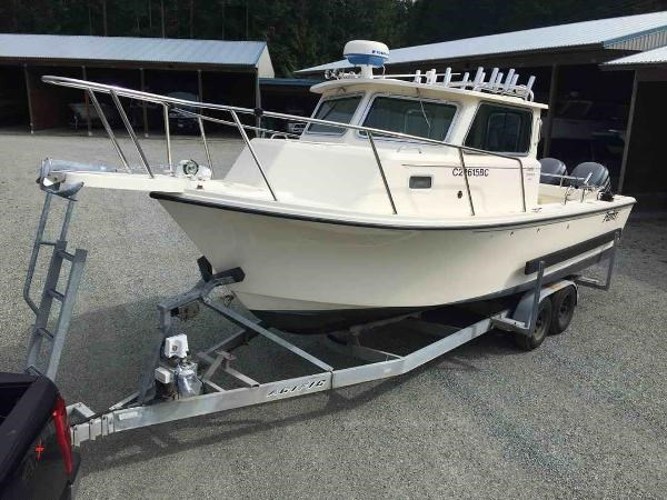 2007 Parker Sport fisher Photo 1 of 14