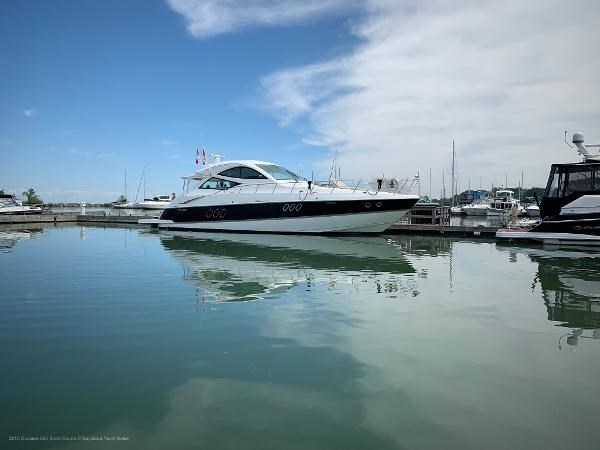 2010 Cruisers Yachts 520 Sports Coupe Photo 2 sur 63