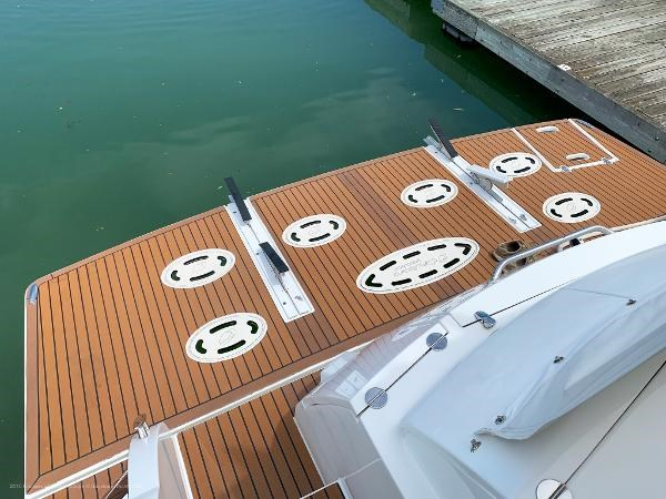 2010 Cruisers Yachts 520 Sports Coupe Photo 5 sur 63