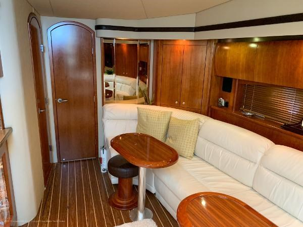 2010 Cruisers Yachts 520 Sports Coupe Photo 25 sur 63