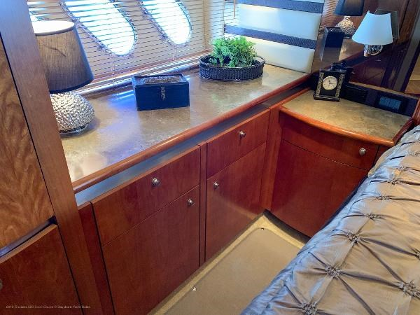 2010 Cruisers Yachts 520 Sports Coupe Photo 38 sur 63