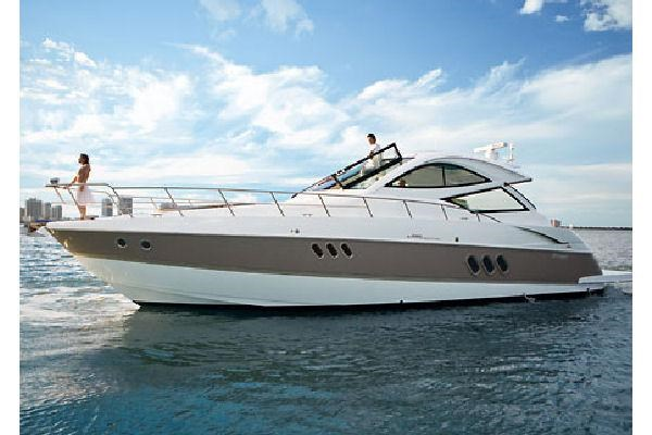 2010 Cruisers Yachts 520 Sports Coupe Photo 53 sur 63