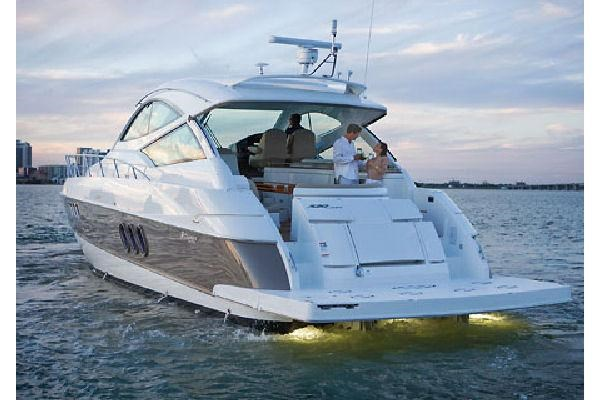 2010 Cruisers Yachts 520 Sports Coupe Photo 56 sur 63