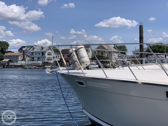 1972 Luhrs 38 Photo 4 of 20