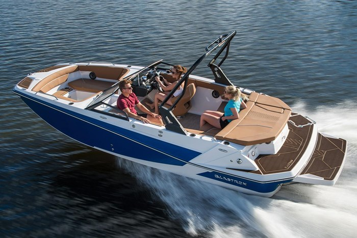 2019 Glastron Deck boats Photo 1 of 2