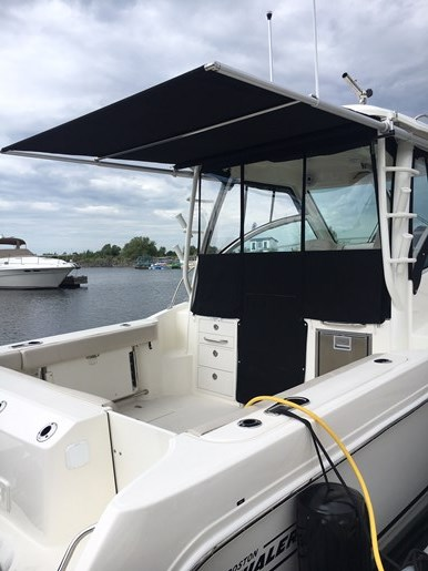 2019 Boston Whaler 285 Conquest Photo 3 of 14