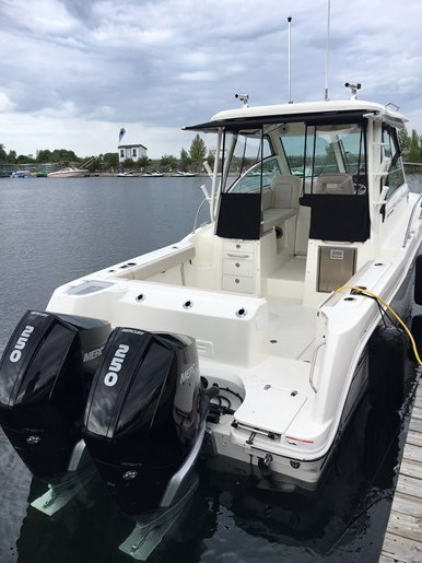 2019 Boston Whaler 285 Conquest Photo 2 of 14