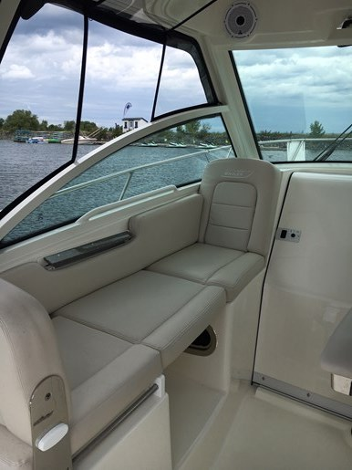 2019 Boston Whaler 285 Conquest Photo 7 of 14