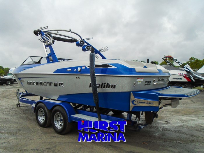 2014 Malibu 23 LSV Photo 3 of 28