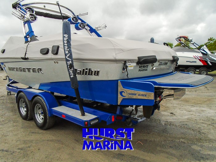 2014 Malibu 23 LSV Photo 23 of 28