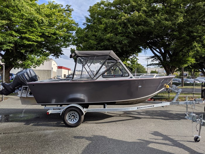Hewes 180 Sea Runner 2011 Used Boat for Sale in Victoria, British Columbia  - BoatDealers ca
