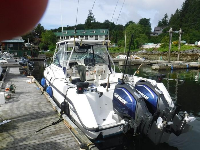2000 Boston Whaler 28 Conquest Photo 2 of 2