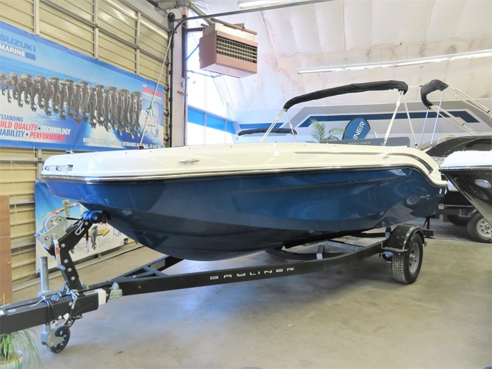 2019 Bayliner DX2000 Photo 1 sur 9