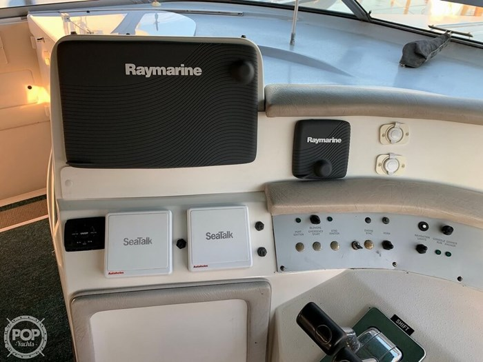 1994 Sea Ray 440 Sundancer 2010 Iveco 370 TURBO Diesels Photo 9 of 20