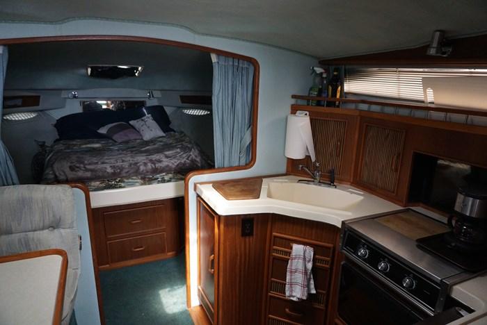 1987 Sea Ray 340 Photo 12 of 33