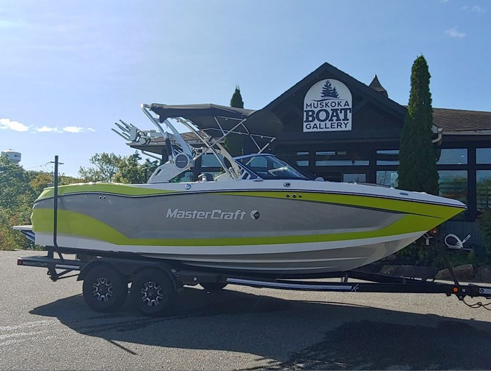 2019 MasterCraft X22 Photo 4 of 13