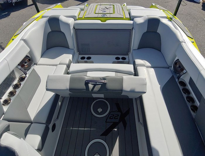 2019 MasterCraft X22 Photo 7 of 13
