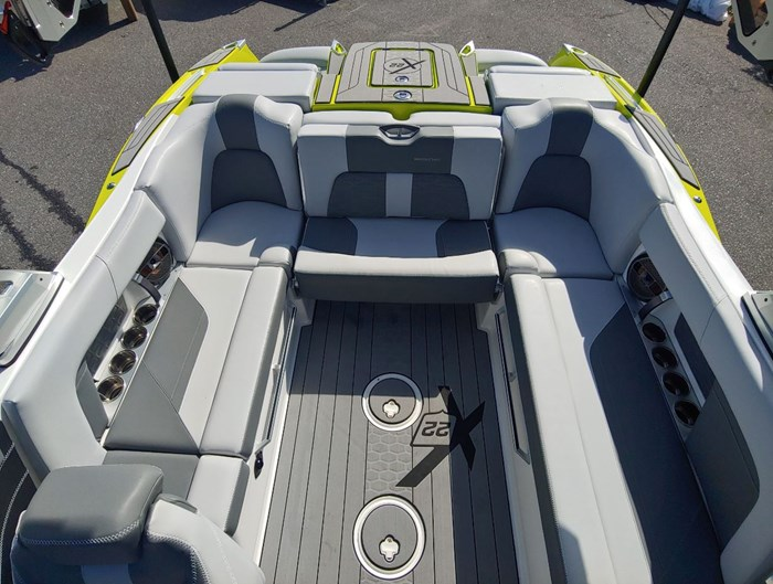 2019 MasterCraft X22 Photo 8 of 13