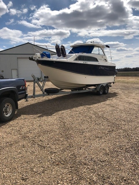 2007 Bayliner Discovery 246 EC Photo 2 of 15